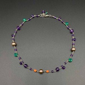 Collana girocollo da donna in ametista viola, perle, corallo e argento G14620
