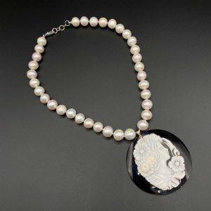 Collana girocollo in perle e cammeo torre del Greco I19119