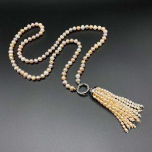 Collana lunga in perle d'acqua dolce e pendente di perle I19019
