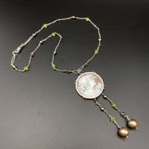 Collana da donna girocollo in argento pirite quarzo e pendente con cammeo I14920