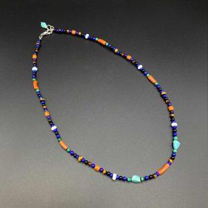Collana girocollo uomo in corallo, lapis, agata bianca, malachite e argento G0621