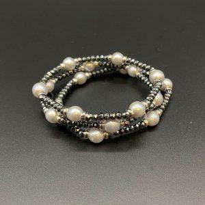 Bracciali elastici da donna con perle d'acqua dolce, ematite e argento BR5521