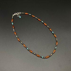 Collana girocollo da uomo realizzata a mano con corniola, ematite e aulite I11221