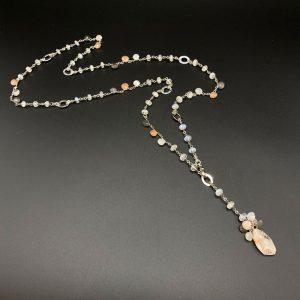 Collana lunga da donna in labradorite rose e grigia, opale e argento placcato platino G9921
