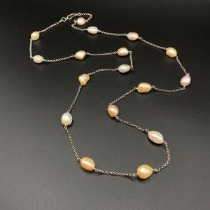 Collana lunga da donna in argento e perle barocche I9321